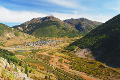 Silverton, nestled amid mountains.